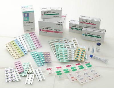 後発医薬品(ジェネリック医薬品)とは? 厚生労働省は、医療費の抑制対策として、後発医薬品の使用促